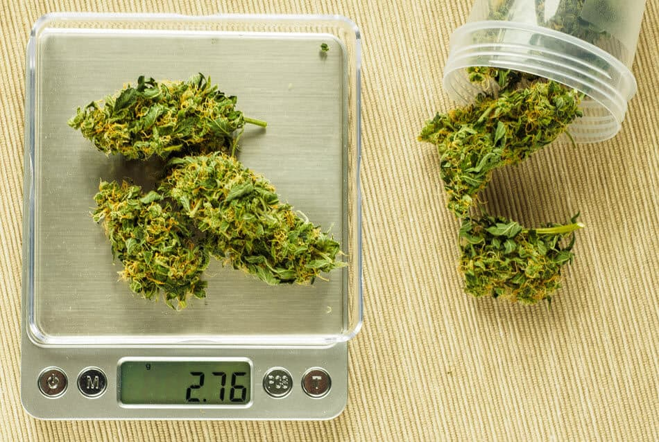 How to Bag Up Weed